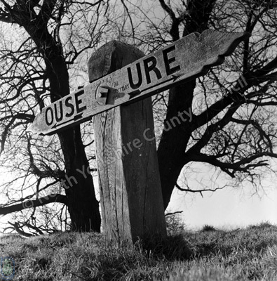 Signpost, Ouse and Ure